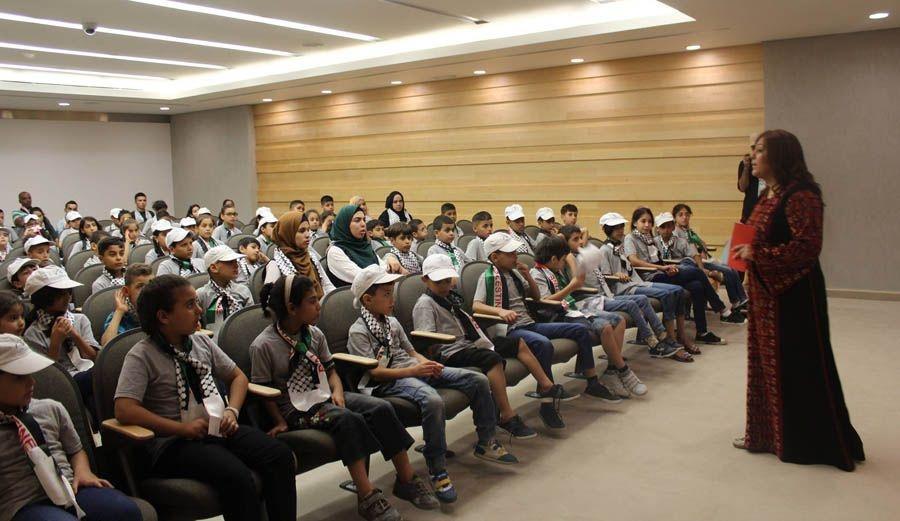 متحف ياسر عرفات يستضيف أطفال مخيم ياسر عرفات