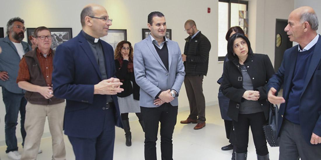 متحف ياسر عرفات يفتتح معرض