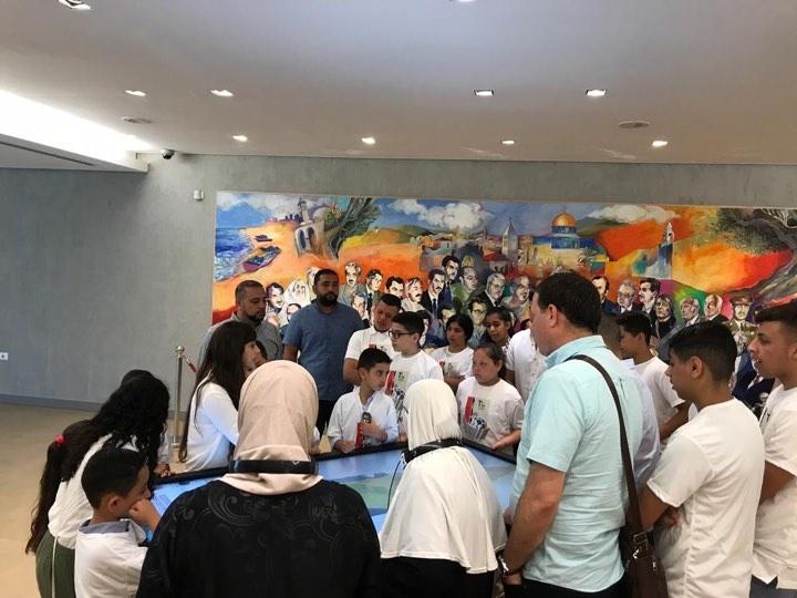 وفد من شبيبة النادي الفلسطيني الأمريكي بولاية شيكاغو يزور متحف ياسر عرفات