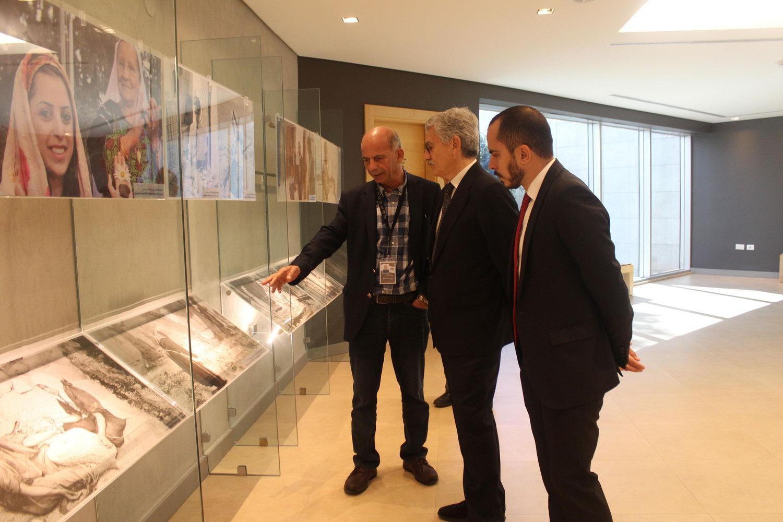 رئيس الوزراء الإيطالي الأسبق ماسيمو داليما يزور متحف ياسر عرفات