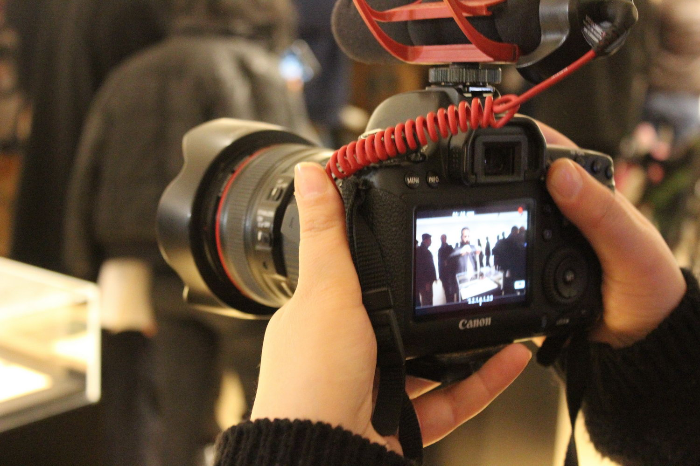 معرض 'اغتيال' عن الشهداء من مثقفي الثورة في متحف ياسر عرفات، إنتاج وكالة وفا